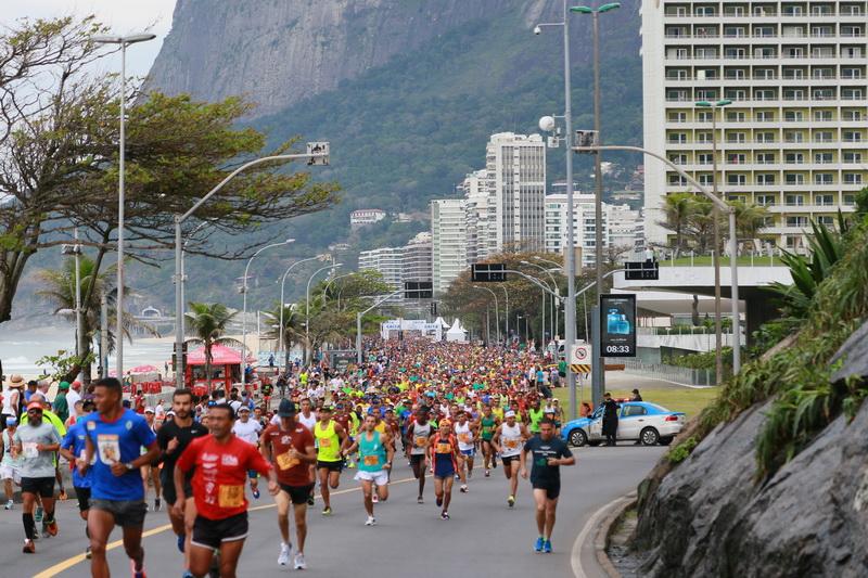 Largada da Meia Maratona Internacional do Rio de Janeiro, em São Conrado. Foto de divulgação